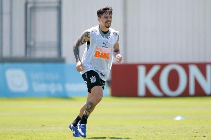 Um dos líderes do elenco, Fagner também veio da base do Corinthians — Foto: Rodrigo Coca/Agência Corinthians