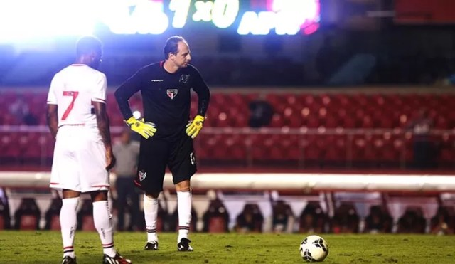 Rogério Ceni, São Paulo X Atlético-PR (Foto: Rubens Chiri/saopaulofc.net )