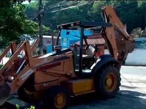 Segundo polícia, maquinário foi destruído por indígenas (Foto: Reprodução/TV Santa Cruz)