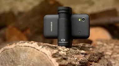 Além de grip, acessório também permite que smartphone fique estável em cima de superfícies (Foto: Divulgação/Shoulderpod)