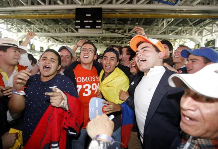 Eleitores de Ivan Duque comemoram vitória do candidato nas eleições presidenciais da Colômbia (Foto: REUTERS/Andres Stapff)