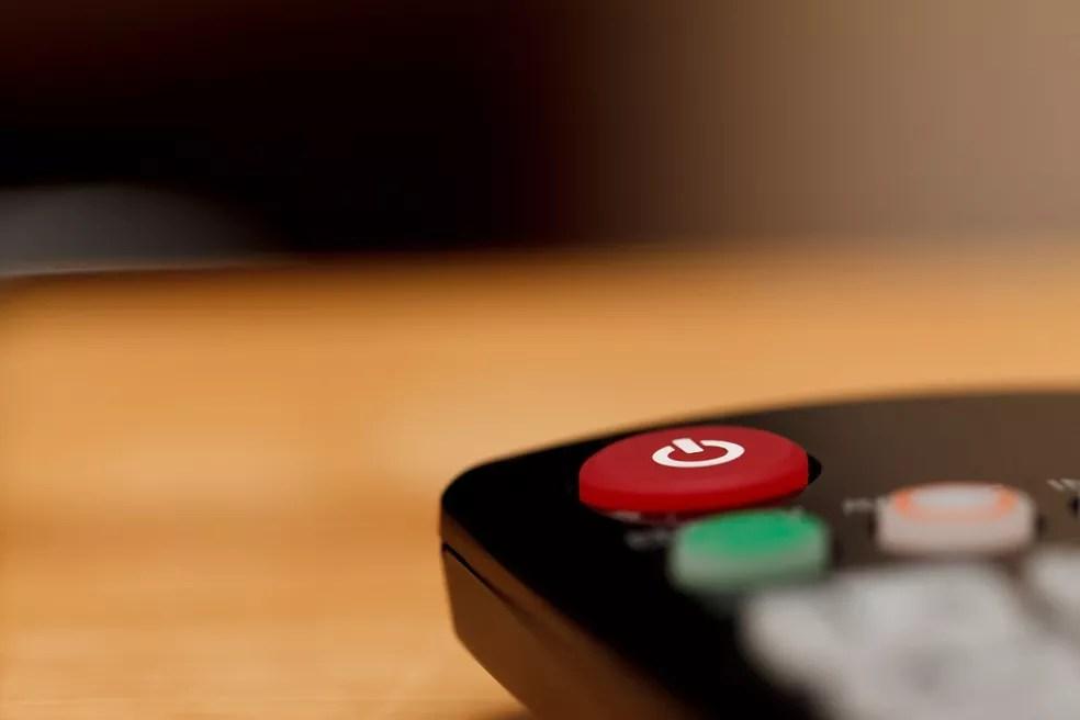 Controle remoto com botão de desligar — Foto: Pixabay