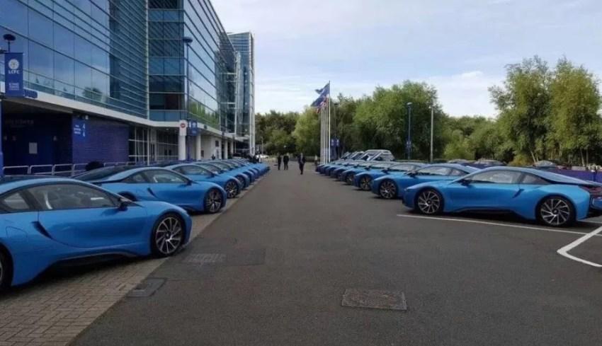 Os exemplares de BMW na entrada do Leicester