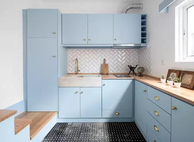 O azul claro está na maioria dos cômodos da casa (Foto: Paolo Moreira/ Reprodução)