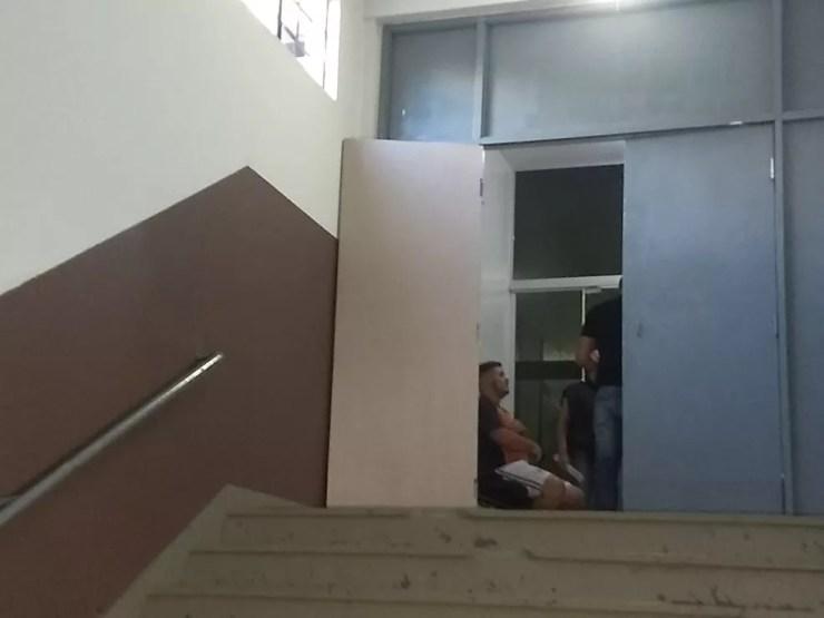 """Eduardo Henrique da Silva contou, que Edison Brittes saiu de casa na manhã do crime com o objetivo de """"castrar"""" o jogador — Foto: Raphaela Potter/RPC Foz do Iguaçu"""