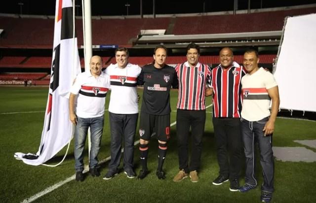 Rogério Ceni, Raí, Cafu, Zetti, Ronaldão e Pita em comercial de sócios do São Paulo (Foto: Igor Amorim / saopaulofc.ne)