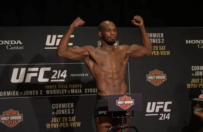 Jon Jones pesagem UFC 214 (Foto: Evelyn Rodrigues)