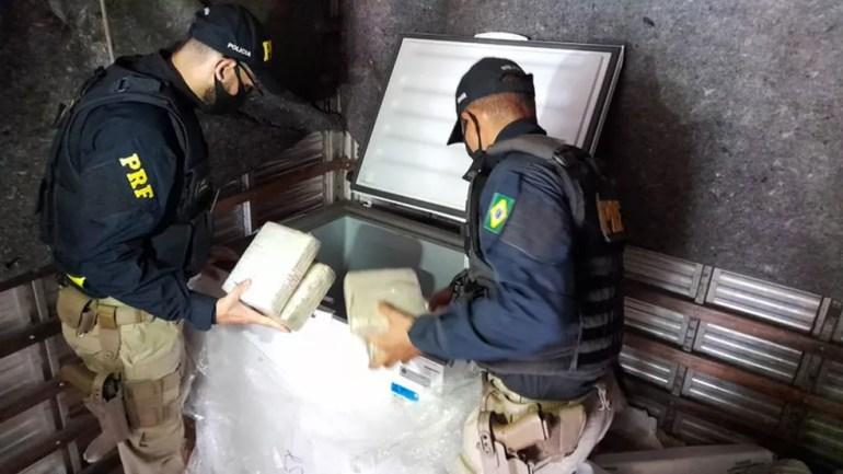 PRF apreende mais de 100 Kg de maconha em Ariquemes — Foto: Jefferson Sanches