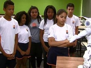 Professora da USP defende que interação facilita o aprendizado (Foto: Reginaldo Santos/EPTV)