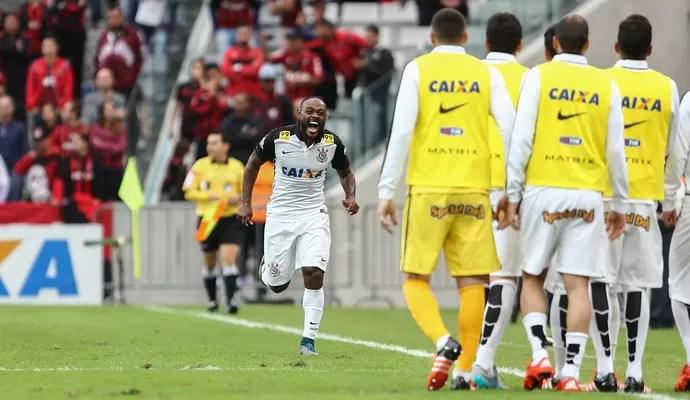 Vagner Love Atlético-PR x Corinthians (Foto: Ag. Estado)