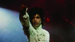 The Kid (Prince) , um jovem músico, vive uma difícil situação em sua casa, onde precisa enfrentar um contexto abusivo. Além disso, sua carreira na música não anda nada bem: para Kid, the Time, a banda que o acompanha não se esforça o suficiente. Então, determinado a virar o jogo, kid faz de tudo para dar a volta por cima tanto em sua vida pessoal quanto em sua carreira.