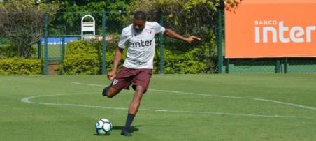 Jucilei tem presença garantida na partida contra o Atlético-GO (Foto: Erico Leonan / site oficial do SPFC)