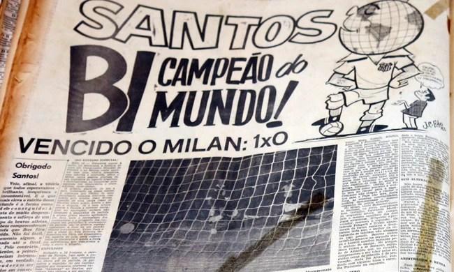 Capa Jornal A Tribuna bimundial Santos gol dalmo (Foto: Bruno Gutierrez)