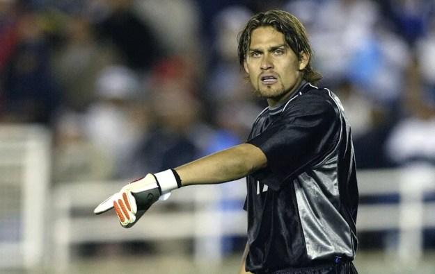 Omar Ortiz chegou a defender a seleção mexicana em 2002 — Foto: Getty Images