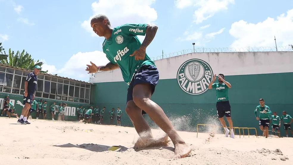 Deyverson em treinamento do Palmeiras — Foto: Cesar Greco/Ag. Palmeiras