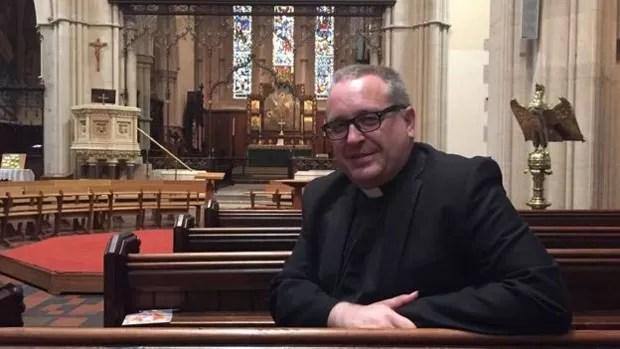 Reverendo Kelvin Holdworth espera realizar uniões gays em Glasgow (Foto: BBC)