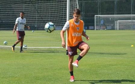 Araruna foi criticado contra a Chapecoense (Foto: Felipe Espindola / saopaulofc.net)