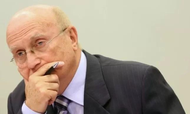 O deputado Osmar Serraglio (PMDB-PR), presidente da CCJ