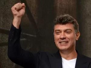 Boris Nemtsov durante protesto contra Vladimir Putin, em 15 de setembro de 2012 (Foto: AFP Photo/Kirill Kudryavtsev)