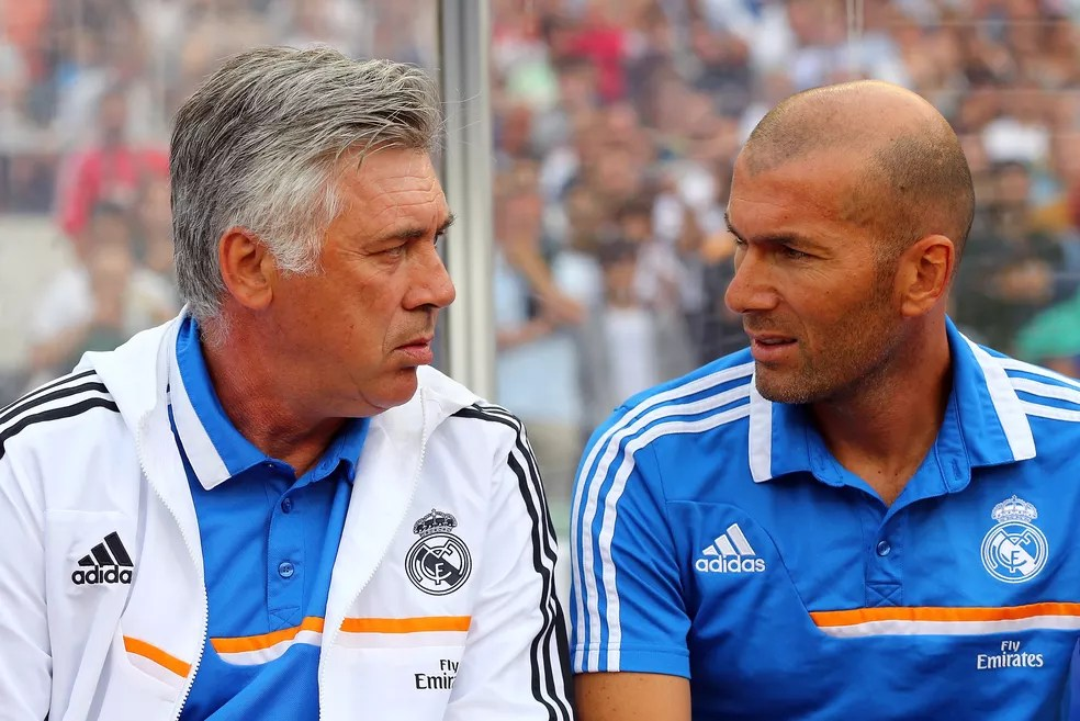 Carlo Ancelotti e Zidane trabalharam juntos no Real Madrid (Foto: Getty Images)