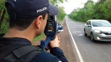 Rada móvel usado em rodovia pela Polícia Rodoviária Federal — Foto: Divulgação/PRF Tocantins