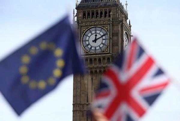 Eleitores britânicos decidiram em plebiscito que o Reino Unido deve sair da União Europeia (Foto: Neil Hall/Reuters)