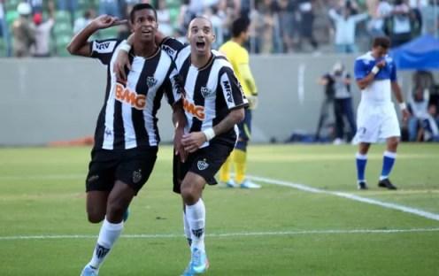 Jô e Tardeli comemoram, Altético-MG x Cruzeiro (Foto: Cristiane Mattos/Agência Estado)