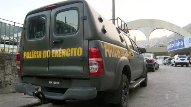 Polícia do Exército volta a participar de uma operação na Rocinha. (Foto: Reprodução/ TV Globo)