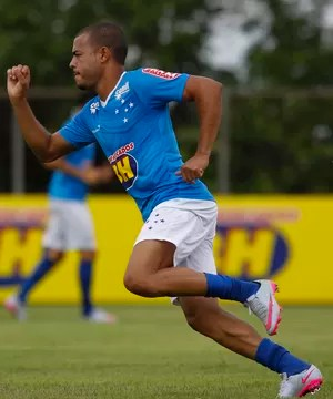 Mayke, lateral-direito do Cruzeiro (Foto: Washington Alves/Light Press)