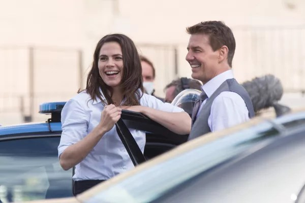 Hayley Atwell and Tom Cruise on the set of Mission: Impossible 7 in Rome (Photo: Getty Images)