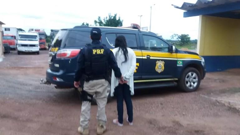 Mulher, que saiu de Pimenta Bueno, foi presa em Porto Velho.  — Foto: PRF/Divulgação