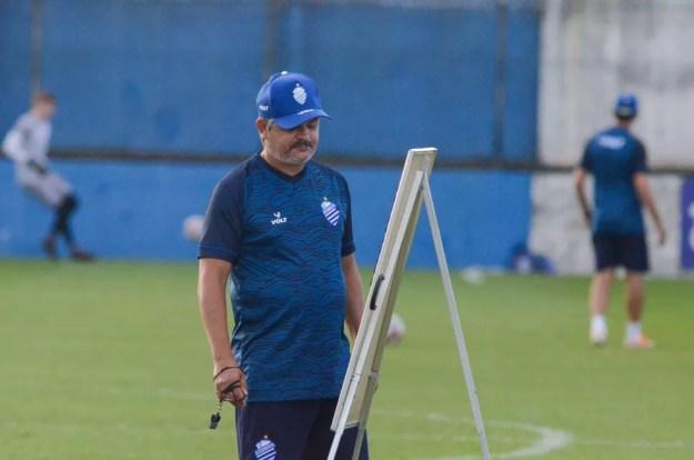 Ney Franco pode fazer mudanças no CSA — Foto: Augusto Oliveira/Ascom CSA