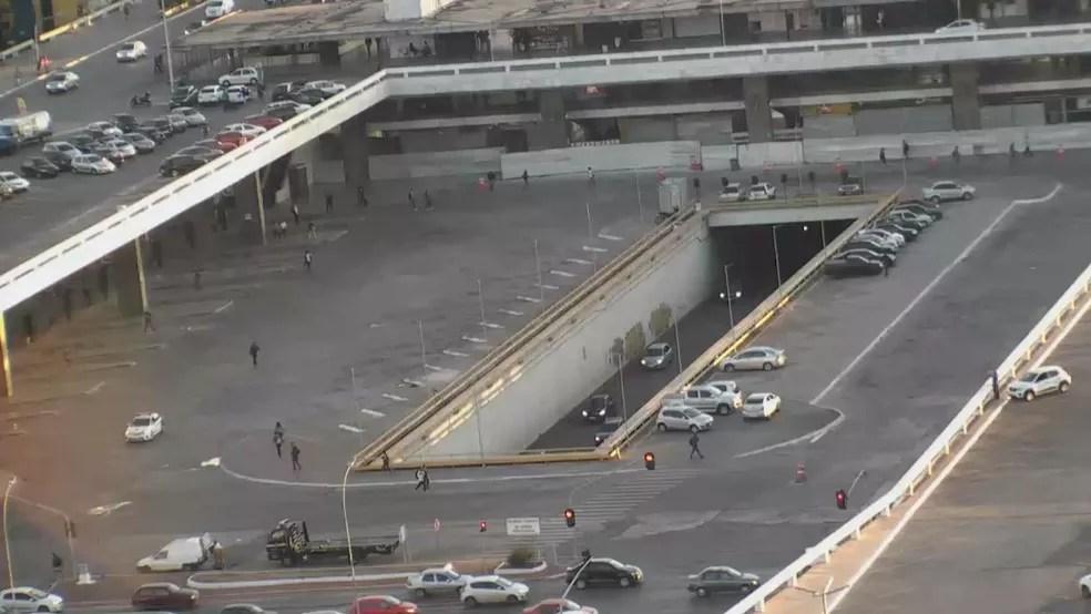 BRASÍLIA, 6h45: Rodoviária do Plano Piloto vazia em dia de greve contra reforma da Previdência — Foto: TV Globo/Reprodução