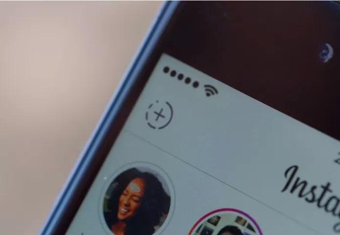 Instagram Stories fica no topo do app e dá destaque a fotos do momento (Foto: Divulgação/Instagram)