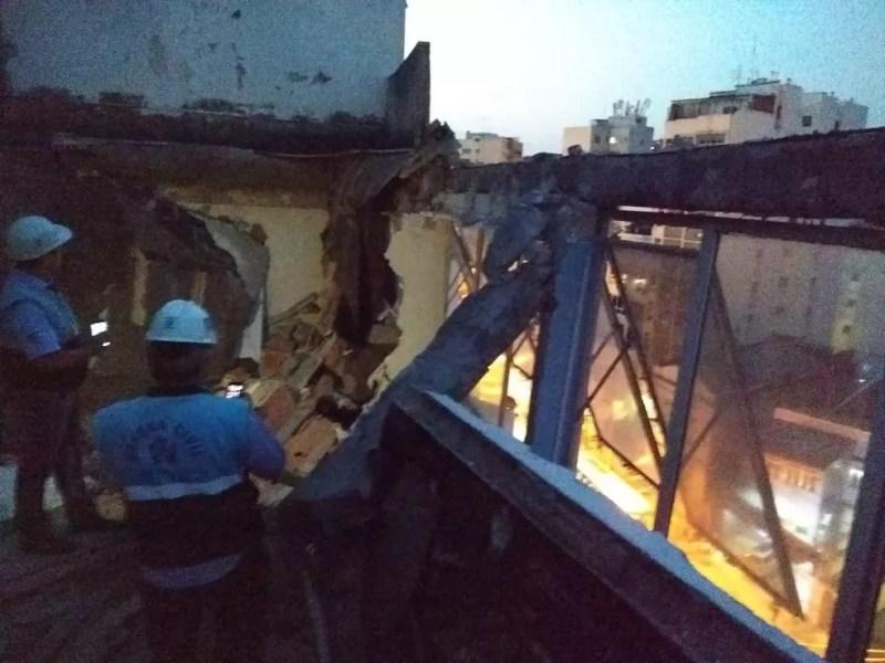 Laje desabou em hospital do Maracanã, no Rio — Foto: Reprodução/ Redes sociais