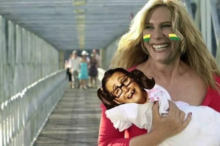 Brasil 2 x 0 México: Nazaré 'sequestra' Chiquinha (Foto: Reprodução)
