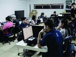 Equipe da UFPB responsável pelo desenvolvimento do software (Foto: UFPB/Divulgação)
