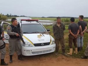 Presos candidatos em Charqueadas após a fuga (Foto: Brigada Militar/Divulgação)