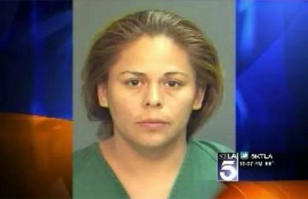 Em maio deste ano, Mayra Gonzalez, de 32 anos, foi presa em Santa Ana, no estado da Califórnia (EUA), depois de 'roubar' o namorado de sua filha. Mayra teria, inclusive, engravidado do adolescente e dado à luz um menino. (Foto: Reprodução)