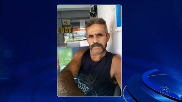 João Batista de Santana tem 59 anos e estava trabalhando na reativação no poço, em Mairinque (SP), quando foi soterrado (Foto: Reprodução/TV TEM)