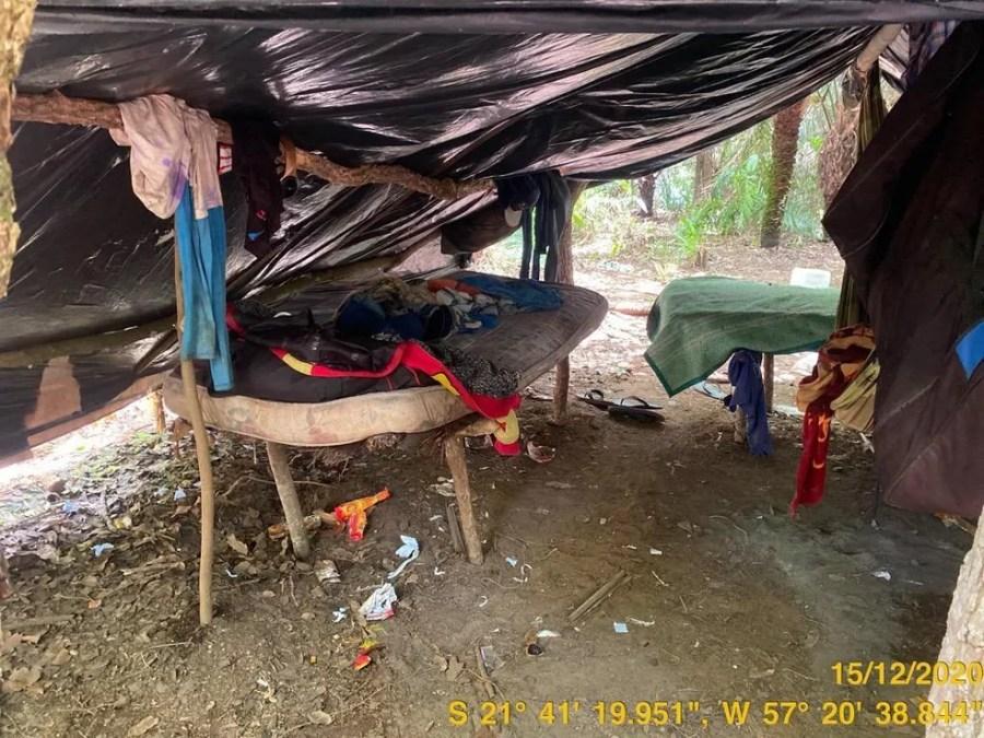 Trabalhadores foram encontrados alojados em barracos de lona em fazenda de Porto Murtinho (MS) — Foto: André Kempf/Secretaria de Inspeção do Trabalho