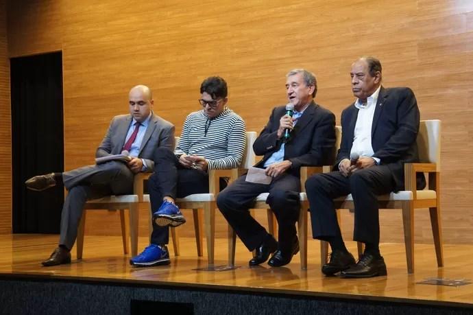 Manoel Flores, Ricardo Rocha, Parreira e Carlos Alberto Torres, membros do Comitê de Reformas da CBF (Foto: Daniel Mundim)