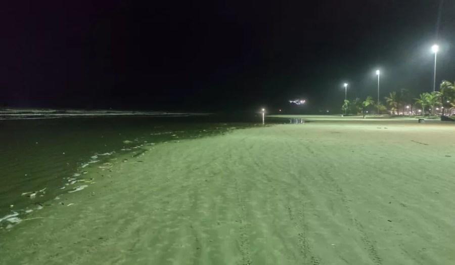 Bolas desapareceram das praias após serem levadas pela maré — Foto: Diogo Cavalcanti de Souza/Arquivo Pessoal