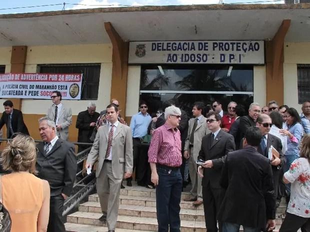 Delegados em paralisação de advertência em São Luís (Foto: Fabrício Cunha / O Estado)
