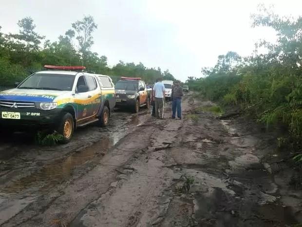 Casal de amantes é preso suspeito de matar marido e enterrar corpo em sítio (Foto: PM/Divulgação)
