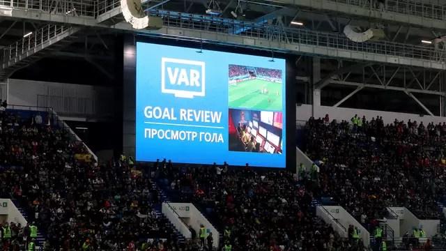 VAR valida o gol da Espanha