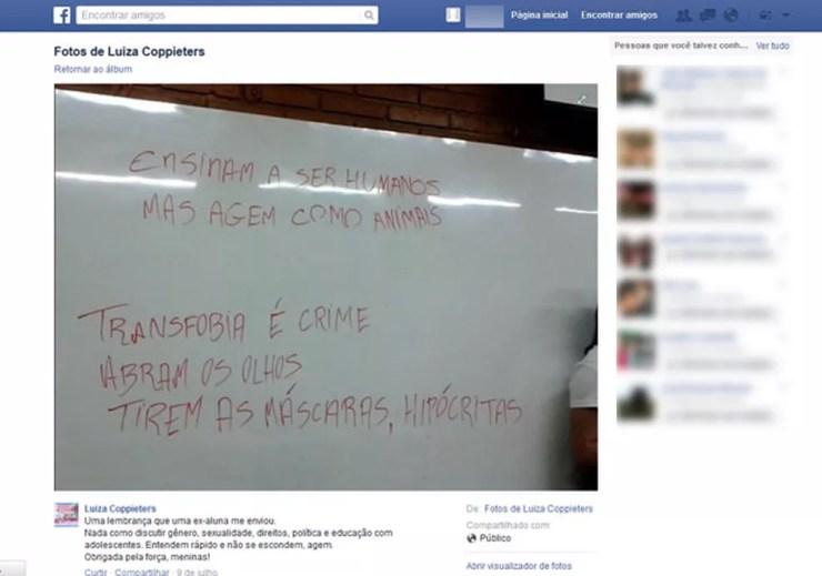 Facebook de Luiza Coopieters compartilha foto que alunas tiraram da lousa do Anglo — Foto: Reprodução/ Arquivo pessoal / Facebook