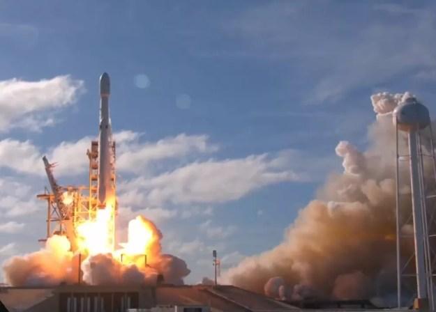 SpaceX Lança Falcon Heavy ao espaço (Foto: Reprodução/Youtube)