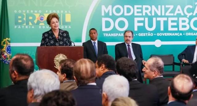 Dilma Rousseff dividas dos clubes (Foto: Roberto Stuckert Filho/PR)