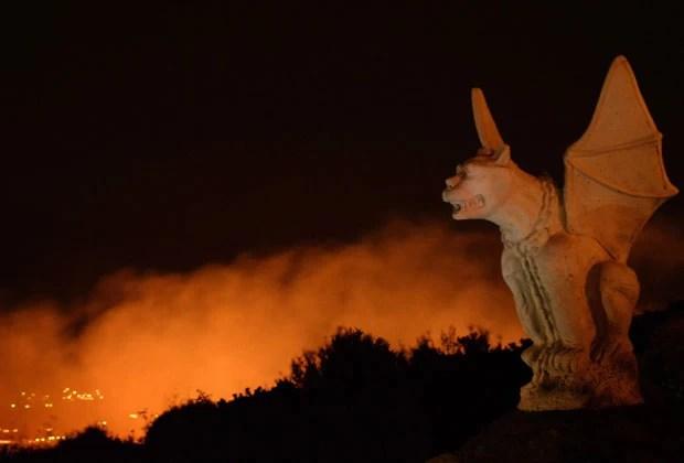 Incêndio obrigou 1,5 mil pessoas a deixarem suas casas na Califórnia (Foto: Gene Blevins/Reuters)